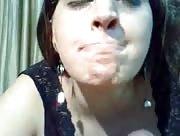 Video X maghrébine adore le goût du sperme
